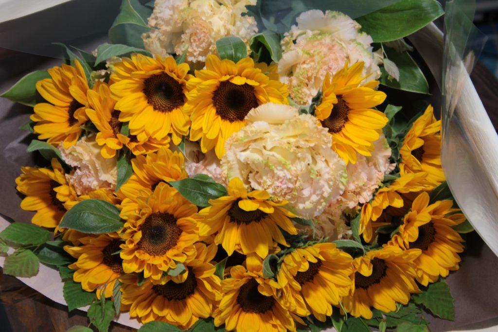 松坂さんが選んだひまわりの花束